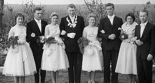 Thron1960-1961_Chronik-Hemsen_Innenteil_RZ_2012-04