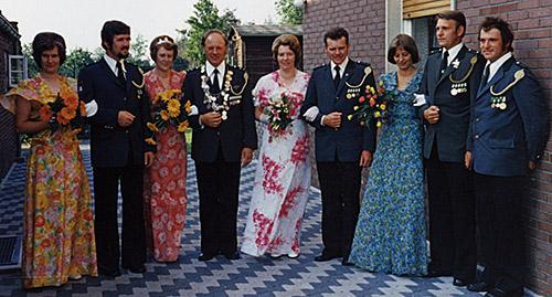 Thron1976-1977_Chronik-Hemsen_Innenteil_RZ_2012-04