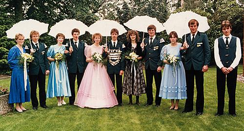 Thron1987-1988_Chronik-Hemsen_Innenteil_RZ_2012-04