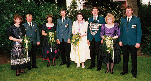 Thron1990-1991_Chronik-Hemsen_Innenteil_RZ_2012-04