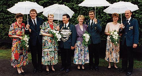 Thron1991-1992_Chronik-Hemsen_Innenteil_RZ_2012-04