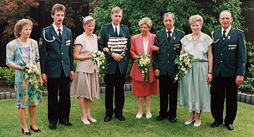 Thron1993-1994_Chronik-Hemsen_Innenteil_RZ_2012-04