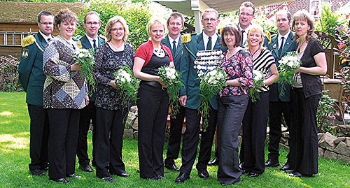 Thron2008-2009_Chronik-Hemsen_Innenteil_RZ_2012-04